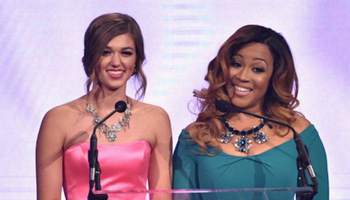 Sadie Robertson & Erica Campbell host the 2015 Dove Awards