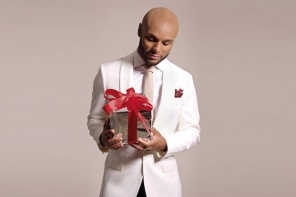 Watch: What's A Kenny Lattimore Christmas Look Like? [EXCLUSIVE INTERVIEW]