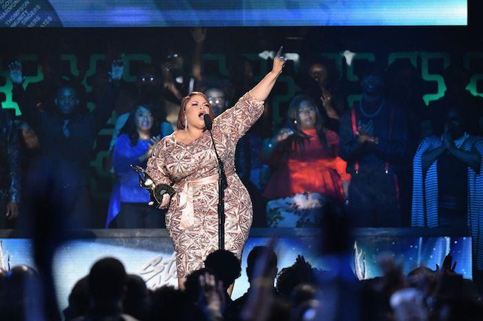 Tamela Mann Performs at the 2018 Stellar Awards