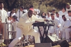 "Kanye West Debuts New Song ""Water"" At Coachella Edition Of Sunday Service [VIDEO]"