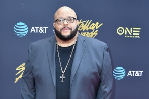 Watch: Fred Hammond Hosts Social Distancing Concert [VIDEO]